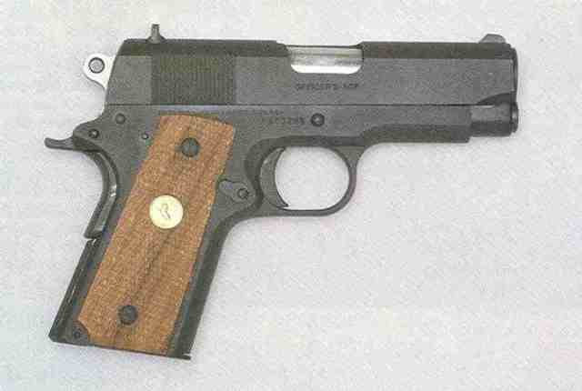 1 Officer's Automatic Colt Pistol