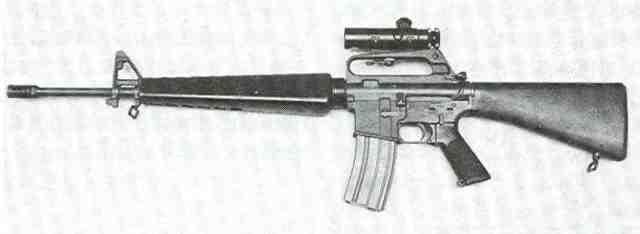 M 16 3 Colt M 16  von links
