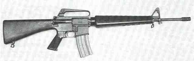 M 16 4 Colt M 16 von rechts