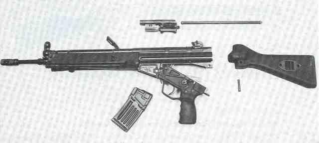 HK33E, in seine Hauptbestandteile zerlegt.