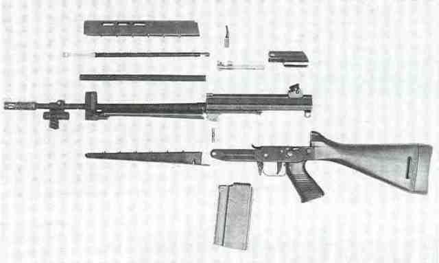 SIG-Sturmgewehr Modell 540, zerlegt.