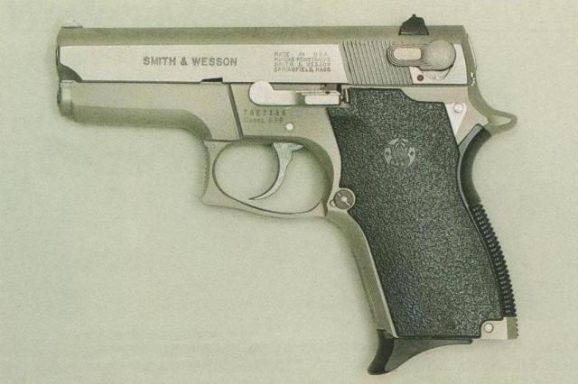 Smith & Wesson M 669.