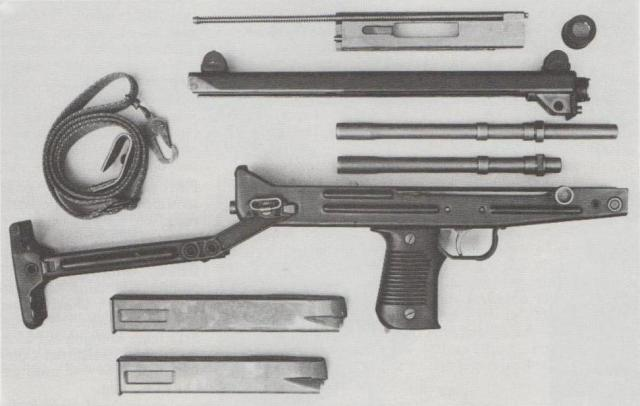 Star-Maschinenpistole Z-84, zerlegt.