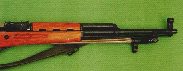 """Der chinesische Selbstladekarabiner """"Typ 56"""" im Kaliber 7,62x39: mit Ausnahme der Bajonettform ein originalgetreuer Nachbau des sowjetischen Simonow-Halbautomaten """"SKS 45""""."""