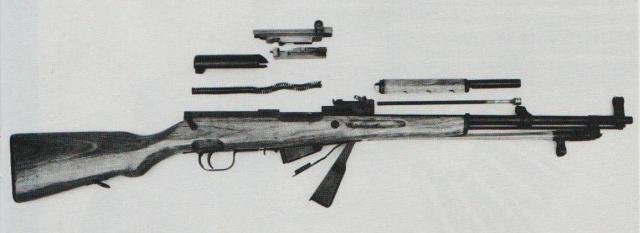 """Der Selbstladekarabiner """"Typ 56"""" zerlegt."""
